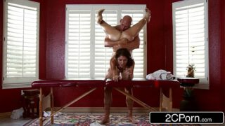 Dirty Masseur Pays Jenni Lee Visit with Massage Table, Oils and Cock Nahee69